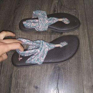SANUK Women's yoga flip flop sandals